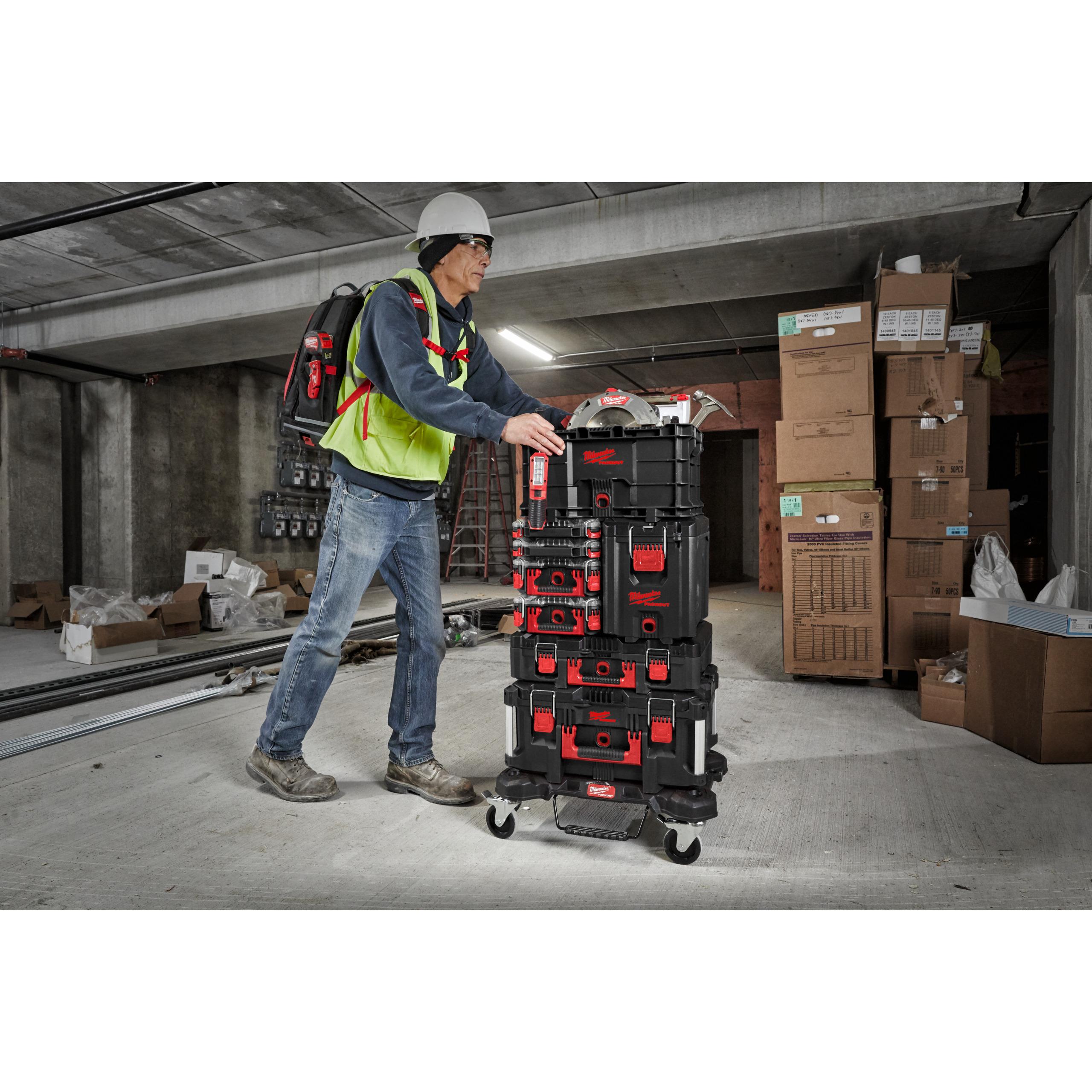 Kompaktní kufr na nářadí PACKOUT