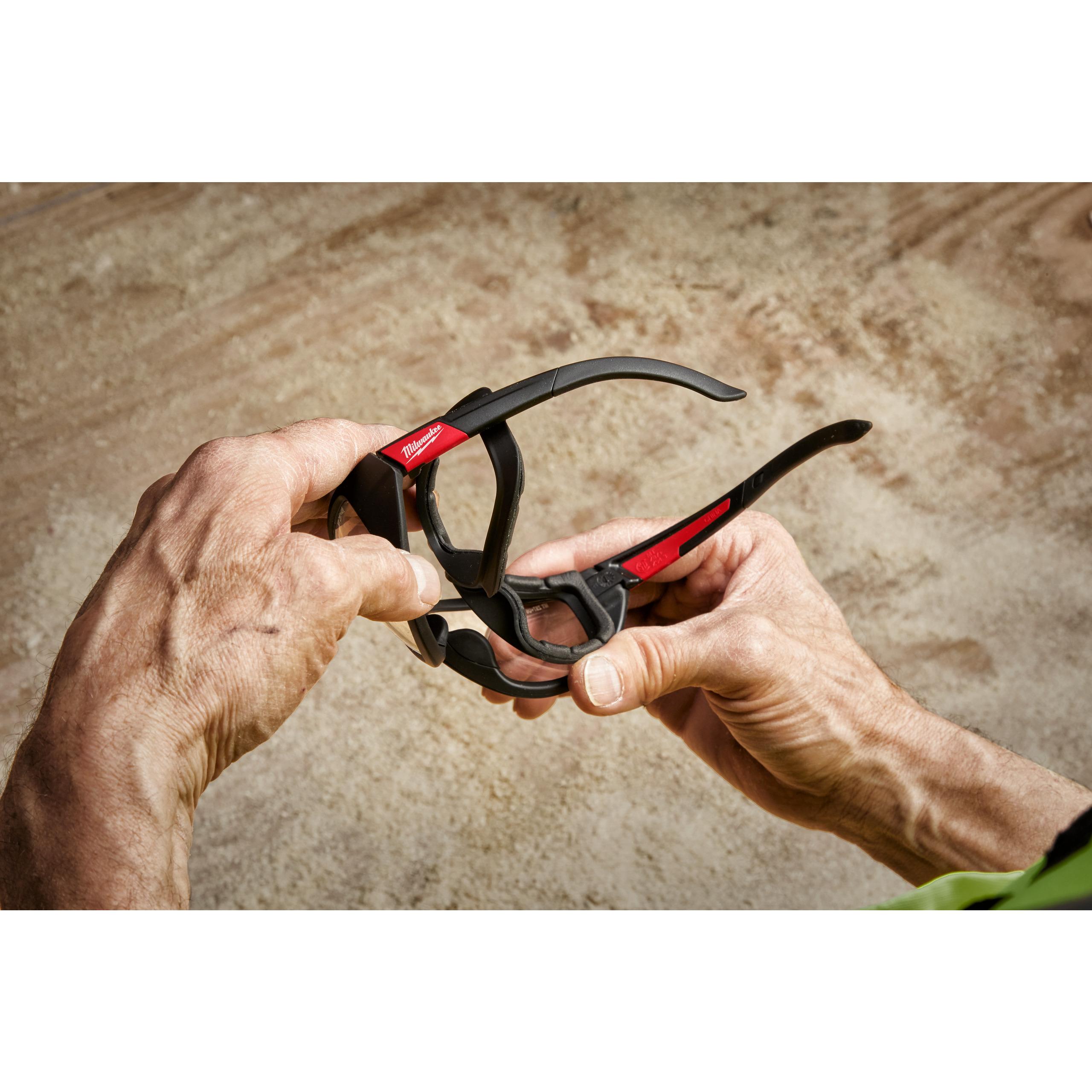 Vysoko výkonnostní ochranné brýle čiré s těsnící vložkou- 1ks